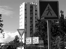 passage du code de la route code de la route en wikip 233 dia