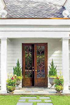 Front Door Entrance Patio by 25 Best Ideas About Exterior Doors On