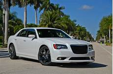 2013 chrysler 300 srt8 top speed