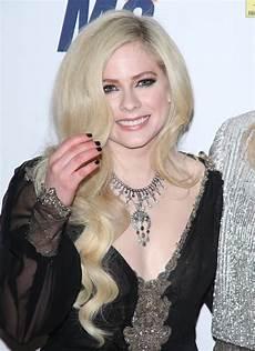 Avril Lavigne 2018 - avril lavigne at race to erase ms gala april 2018