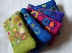 filz und garten gartenblog gestapelt handytaschen und