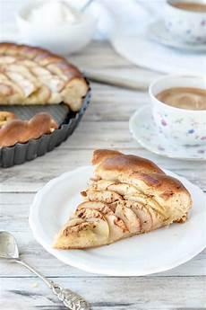 apfelkuchen mit hefeteig apfelkuchen mit hefeteig veganes rezept auf foodlikers