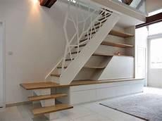 etagere sous escalier gerriet galerie escaliers deco studio balustrade