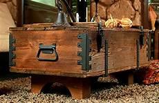 Alte Truhe Kiste Tisch Shabby Chic Holz Beistelltisch