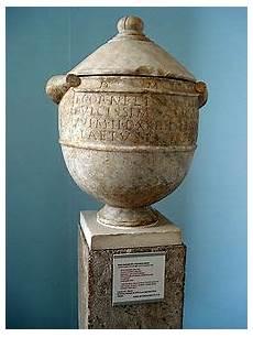urne en urna wiktionary