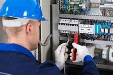 corsi pes e pav corso di formazione per gli addetti ai lavori elettrici