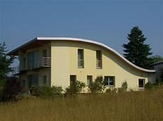 Einfamilienhaus Mit Pultdach - einfamilienhaus mit geschwungenem pultdach baumeister