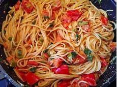 Spaghetti Mit Gemüse - spaghetti in cremiger paprika tomaten fr 252 hlingszwiebel