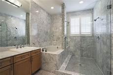 Dusche Und Badewanne Nebeneinander - bathtub and shower side by side side of the bath notice