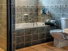 cosa prendere per andare in bagno 4 stili molto belli per arredare il bagno