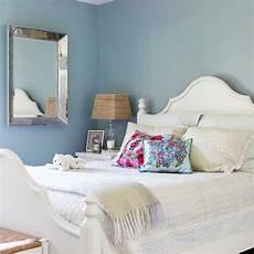 Dekoration Mit Farben Bett Wei 223 Kissen Ebenfalls