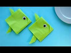 Fische Basteln Mit Kindern Servietten Falten Einfach Fisch Tischdeko F 252 R Taufe