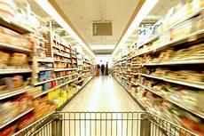 scaffali supermercato come orientarsi tra gli scaffali dei supermercati occhio