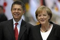 Kanzlerinnen Gatte Joachim Sauer Das Phantom An Merkels