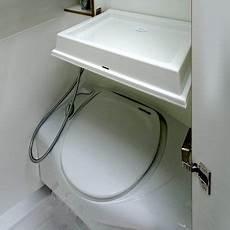 Einbau Dusche Mit Boiler - thetford banktoilette einem klappbaren waschbecken und