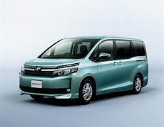 Toyota Voxy Photo