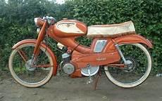 mobylette motobecane ancienne mobylette bleues oranges av88 av83 sp94tt d52
