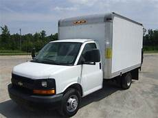 electric and cars manual 2011 chevrolet express 1500 interior lighting purchase used 2009 chevrolet express 3500 cutaway van drw power lift in providence forge