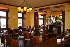restaurant booking startup offpeak gets 800k series a funding