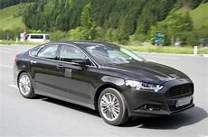 ford mondeo mk4 his is the all new ford mondeo undergoing towing and