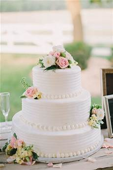 46 simple wedding cake ideas for your wedding the knot 2 tie