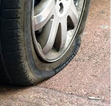 réparation pneu crevé prix est il possible de r 233 parer un pneu crev 233 norauto