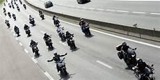 immatriculation minute evry essonne une centaine de motards d 233 fient la sur la francilienne