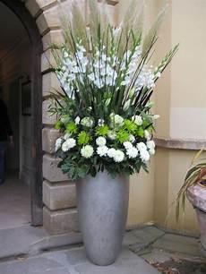 diy large flower pedestals large vertical arrangement with white gladiola steel grass green