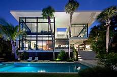 Contemporary House Located In Miami