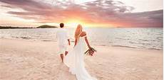 7 reasons to have a beach wedding