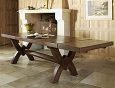 Best Dining Tables by Dining Table This Season S Best Dressed Dining Tables