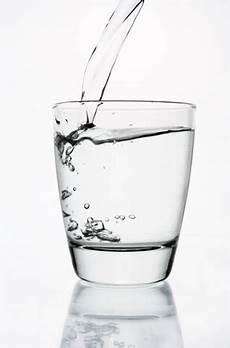 Terapi Minum Air Putih Minsehat