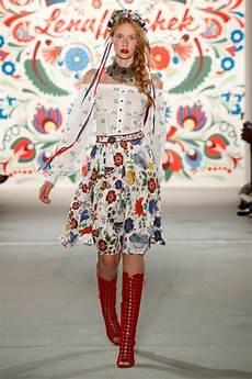 Folklore Lena Hoschek Sommermode 2018 Fashion Week