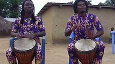 instrument de musique traditionnel africaine le djembe