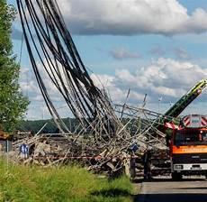 Verkehr A7 Bayern - nach einsturz br 252 ckenteil verkehr l 228 uft auf der a7 welt