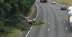 Unfall A 4 - a3 crash near guildford causes hour delays recap