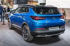 Foto Opel Grandland X Suv Media Che Vuole Essere Grande