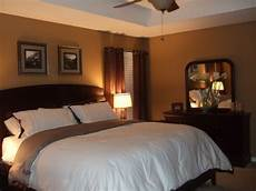 Warm Master Bedroom Paint Ideas by Warm Master Bedroom Decorating Ideas Warm Brown And
