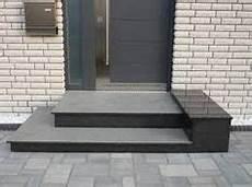 Details Zu Treppe Aussen Haus Eingang Podest Naturstein