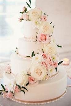 Wedding Cakes With Pink Flowers