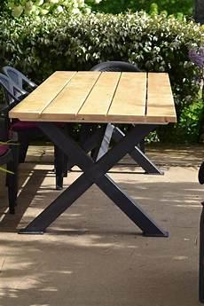 Table Ext 233 Rieur En Bois En Sapin Avec Pieds En Fer De