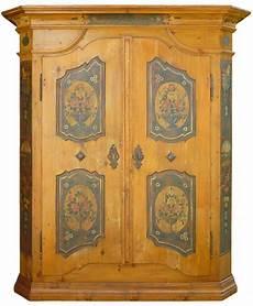 armadi tirolesi antichi armadio tirolese in legno di abete dipinto floreale