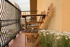 balkonmöbel für schmalen balkon bequeme balkonm 246 bel f 252 r kleinen balkon