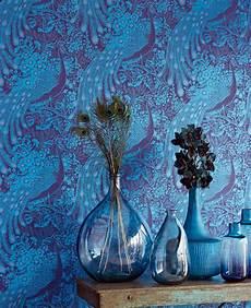 tapeten blau tapete peacocks blau von eijffinger