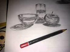 Gambar Gelas Kaca Dan Apel Dengan Arsiran Pensil