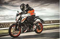 Ktm Malaysia Launches 2018 Ktm 200 Duke At Ktm Orange