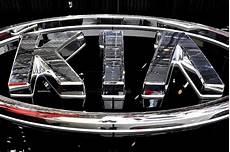 essener motorshow 2016 datum hyundai kia unveil mid size cars to lure millennials with quality affordability korea