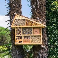 insektenhotel selber bauen so einfach geht s brigitte de