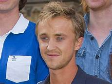 Harry Potter Vater - tom felton who played draco malfoy is waiting for a