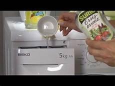 waschmaschine stinkt essig waschmaschine mit essig essenz entkalken essigessenz